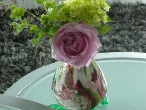 personapraktijk.nl/blog/de rozentherapie van Henk/ roos in het vaasje