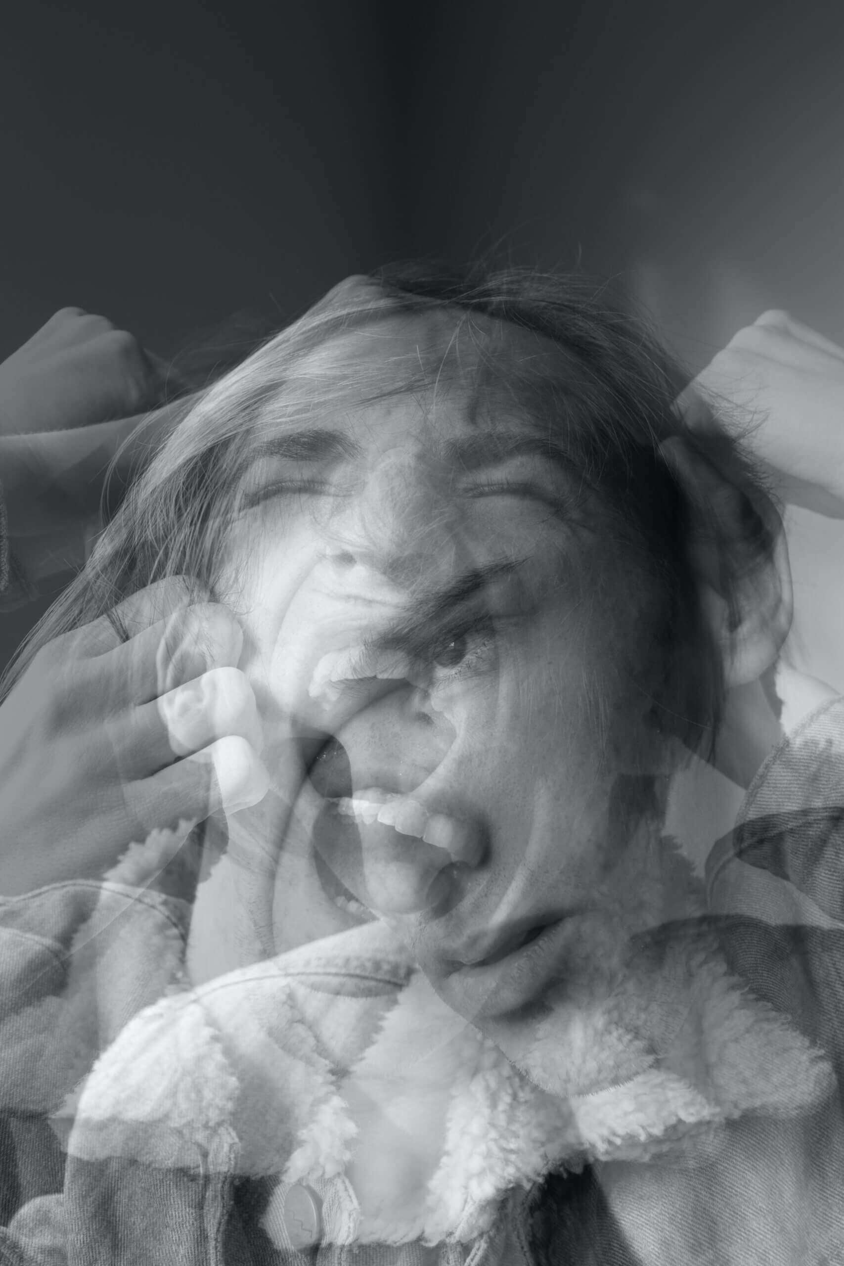 https://personapraktijk.nl/psychisch-1-2/angst-en-paniek-behandeling/angstige vrouw